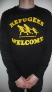 Refugees Welcome Sweatshirt ( Fairtrade ) nur noch S