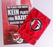 Antifaschistische Flagge, Plakat, Sticker