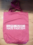 LOVE MUSIC HATE FASCISM ( Fairtrade )