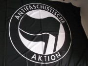 Antifaschistische Aktion -schwarz-